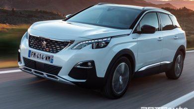 Vista di profilo Peugeot 3008 Hybrid4 Plug-In