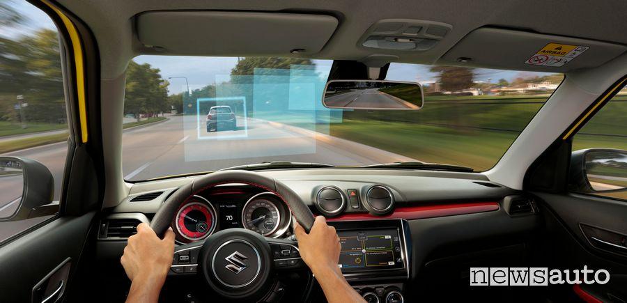Sistemi ADAS di auto alla guida Suzuki Swift Sport Hybrid