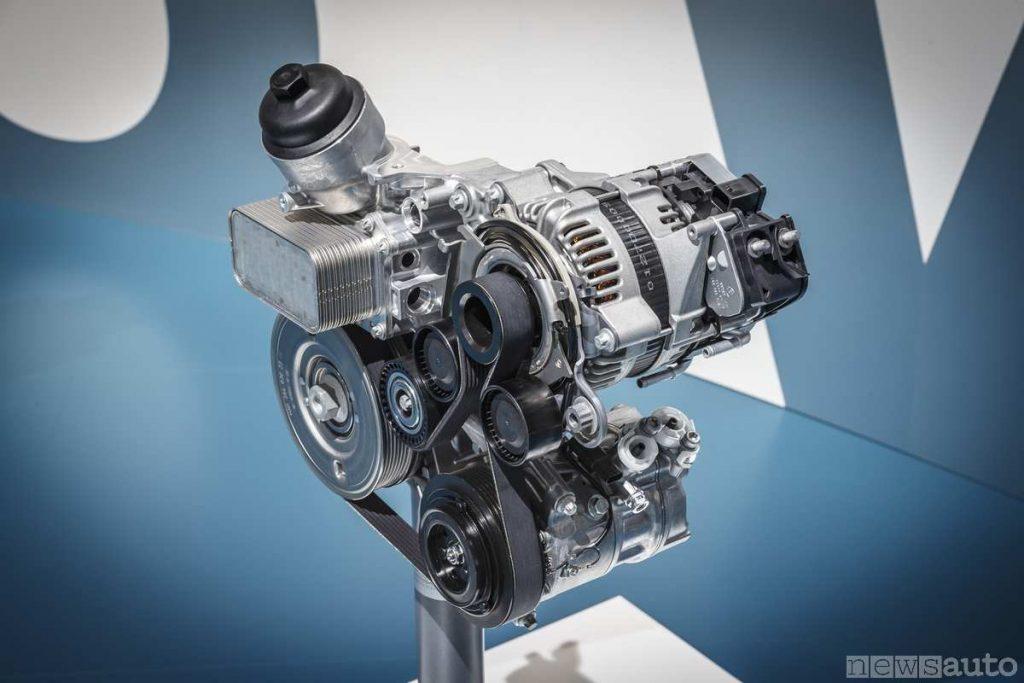 L'alternatore reversibile montato sulla Mercedes C200,  con funzione ISG, starter generator EQ-Boost-48