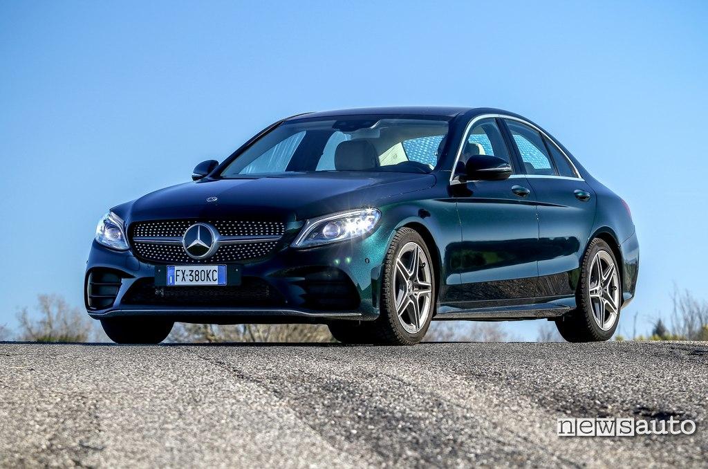 vista anteriore Mercedes C200 Hybrid