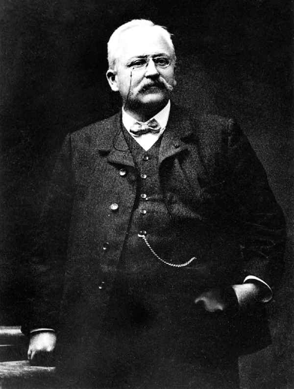 Armand Peugeot  papà della Peugeot