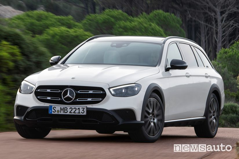 Vista anteriore Mercedes-Benz Classe E All Terrain 2020
