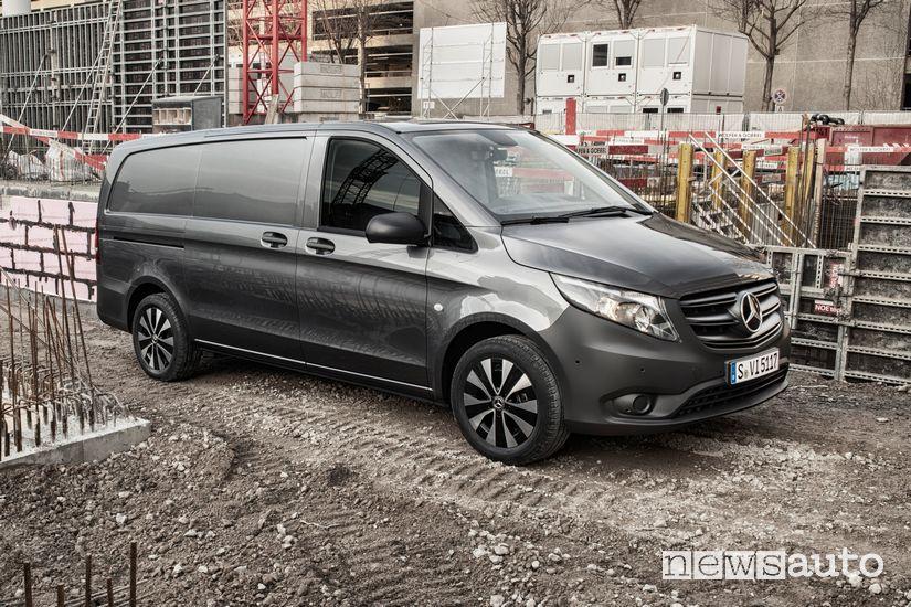 Mercedes-Benz Vito Furgone 2020 in cantiere