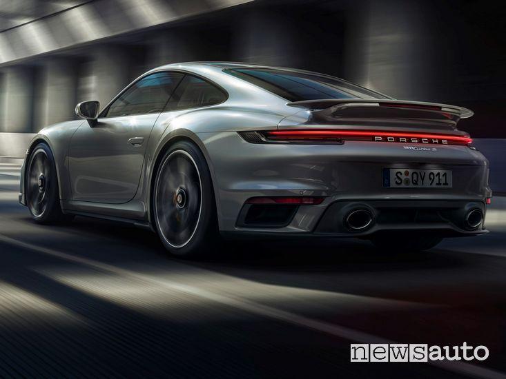 Vista posteriore Porsche 911 Turbo S Coupé