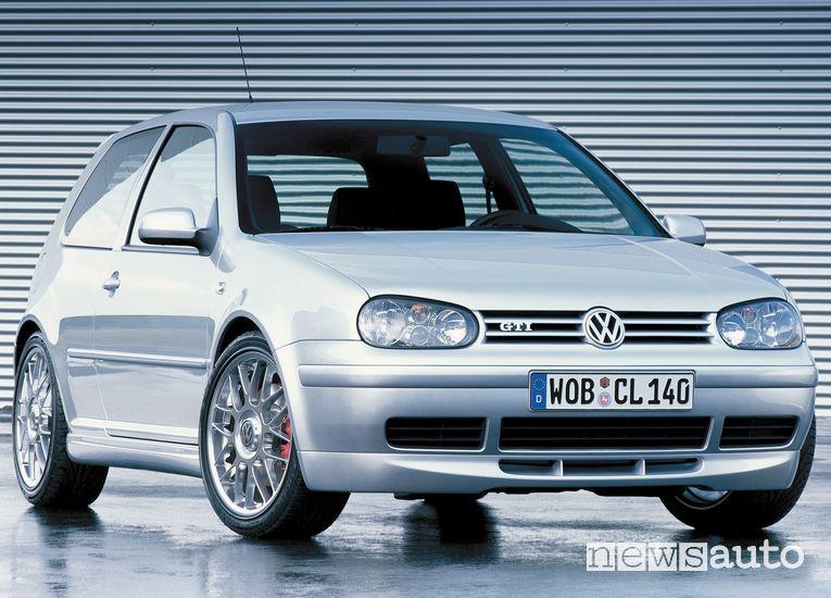 Vista anteriore Volkswagen Golf GTI IV serie Edition 25