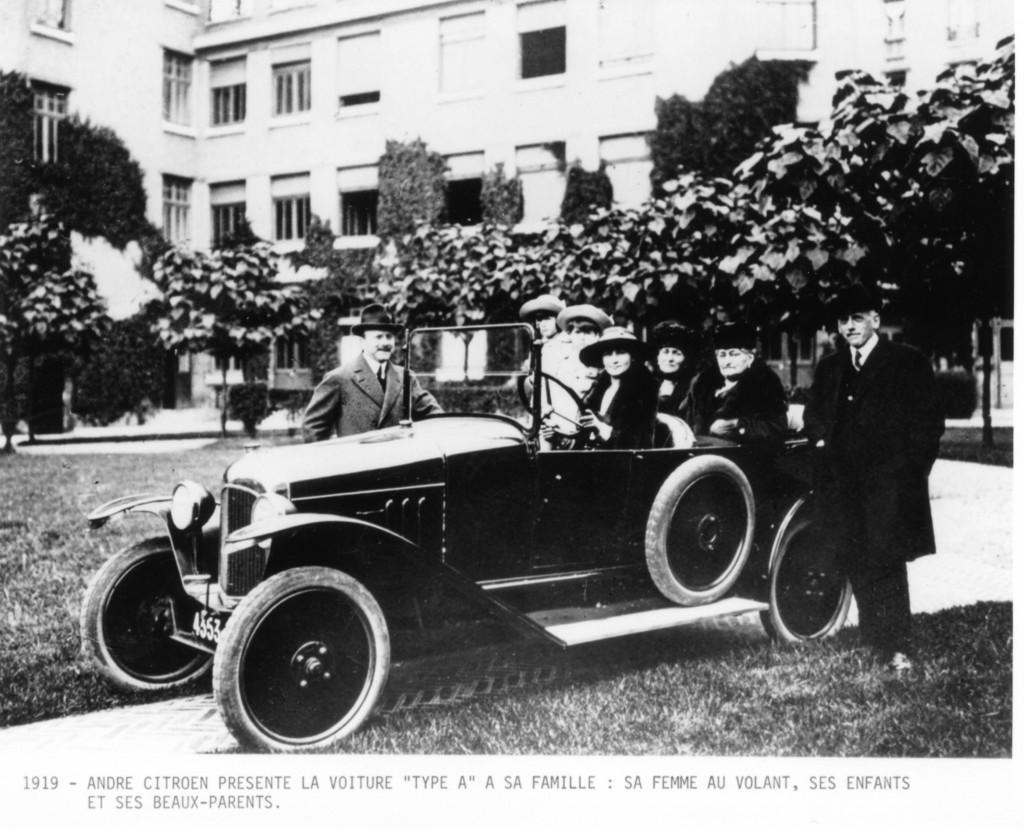 "André Citroën presenta la ""10Hp Tipo A"" nel 1919"