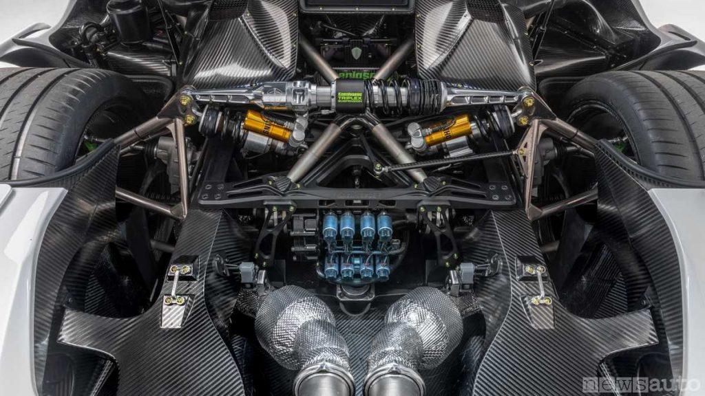 Le complesse sospensioni push-rod triplex montate sulla Koenigsegg Jesko