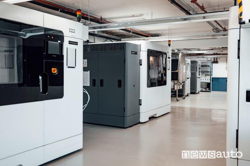 Mercedes-Benz  nella fabbrica stampa in 3D le apparecchiature mediche