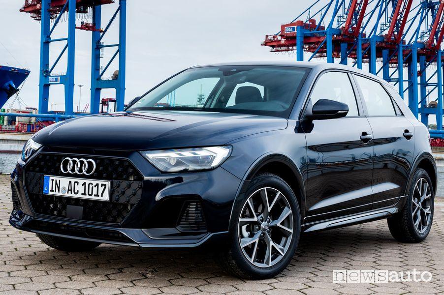 Vista di profilo Audi A1 citycarver