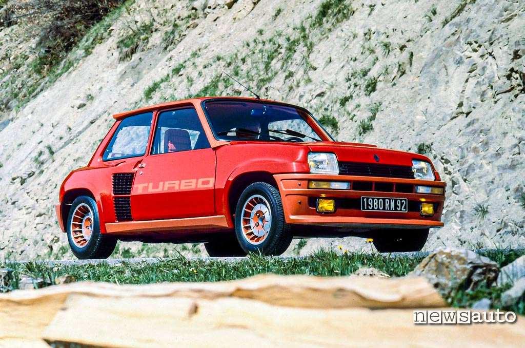 Renault 5 turbo 1980 rossa vista anteriore