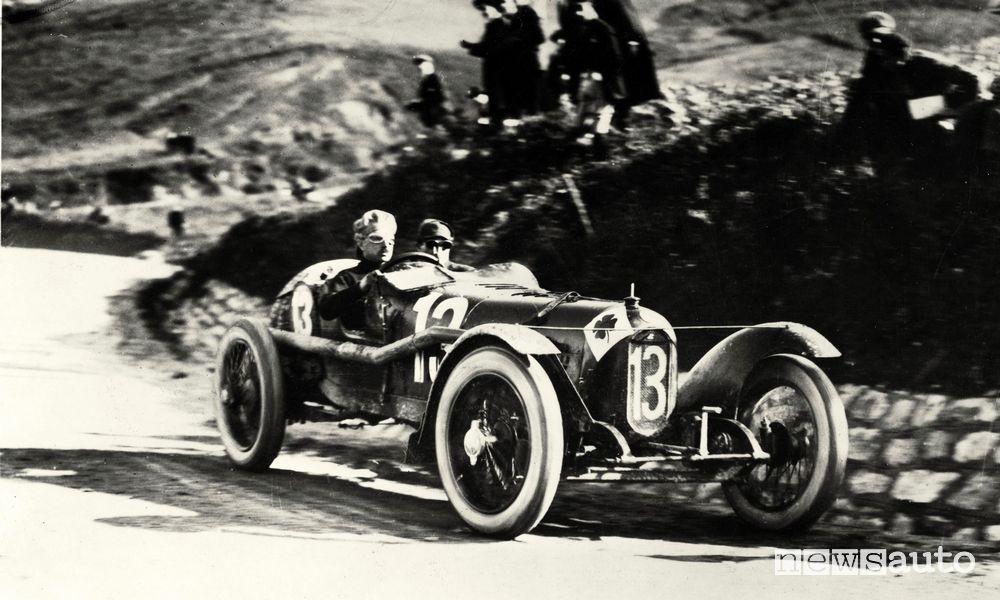 Storia Alfa Romeo il pilota Ugo Sivocci su Alfa RL alla Targa Florio del 1923