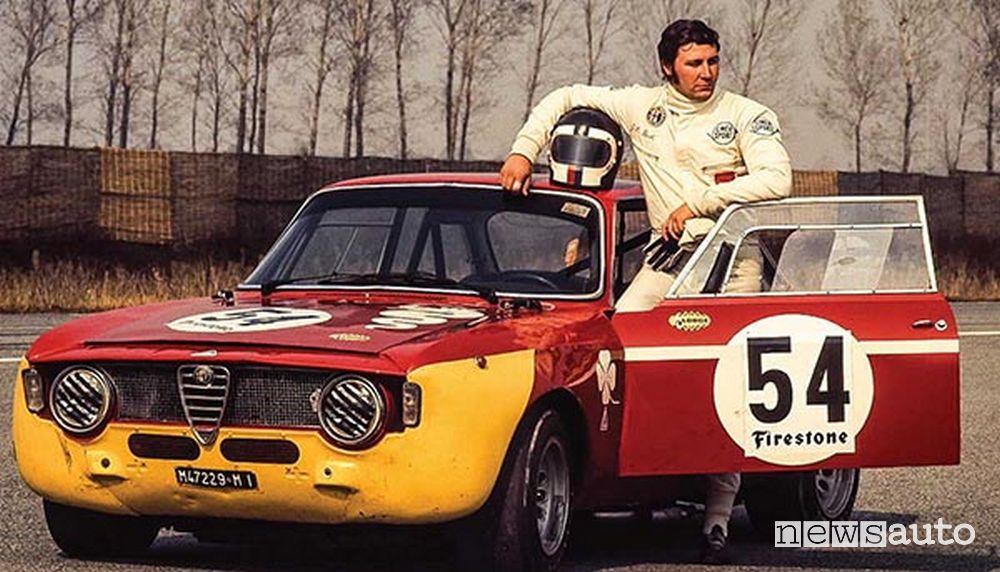 Gianluigi Picchi con l'Alfa Romeo GTA 1300 Junior con il muso giallo