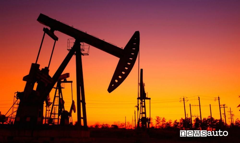tramonto del petrolio? Petrolio prezzo carburante negativo cosa significa