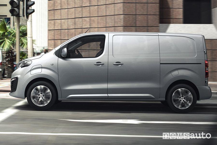 Vista laterale Peugeot e-Expert elettrico