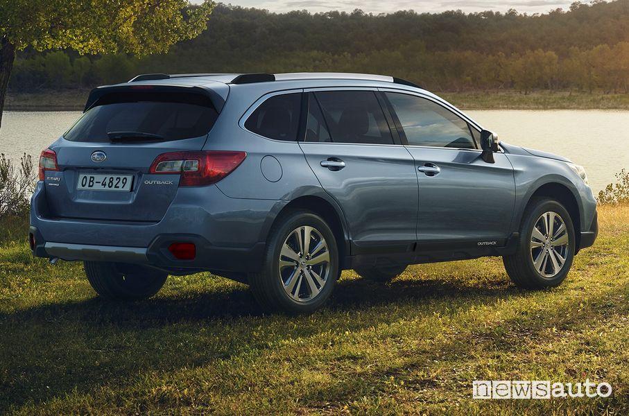 Vista posteriore Subaru Outback 4Advanced