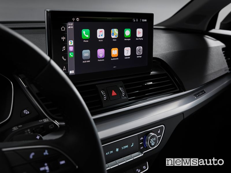 Apple CarPlay infotainment Audi Q5 2021