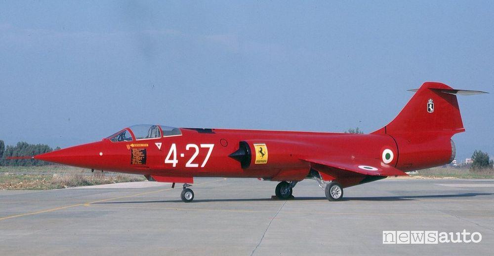 F104 Starfighter dell'Aeronautica Militare Italiana con livrea Rossa Ferrari