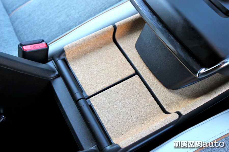 Rivestimento in sughero interni Mazda MX-30