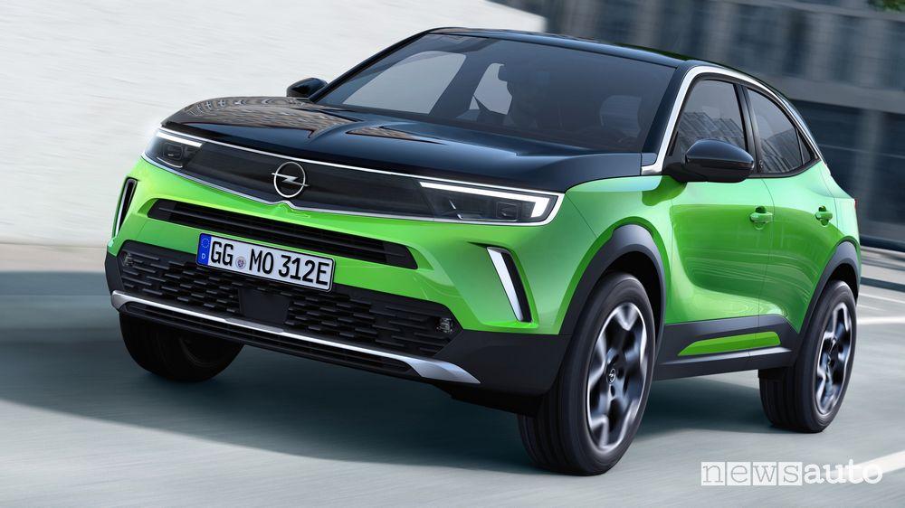 Vista anteriore nuovo Opel Mokka-e elettrico