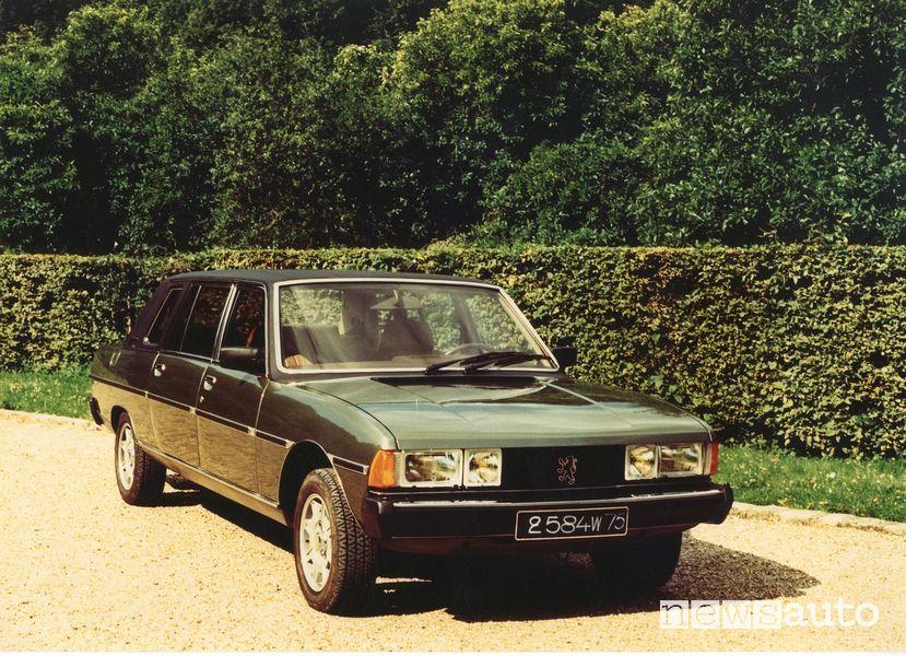 Vista anteriore Peugeot 604 Limousine