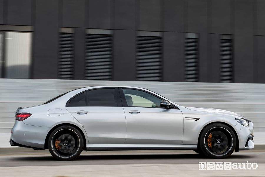 Vista laterale Mercedes-AMG E 63 S