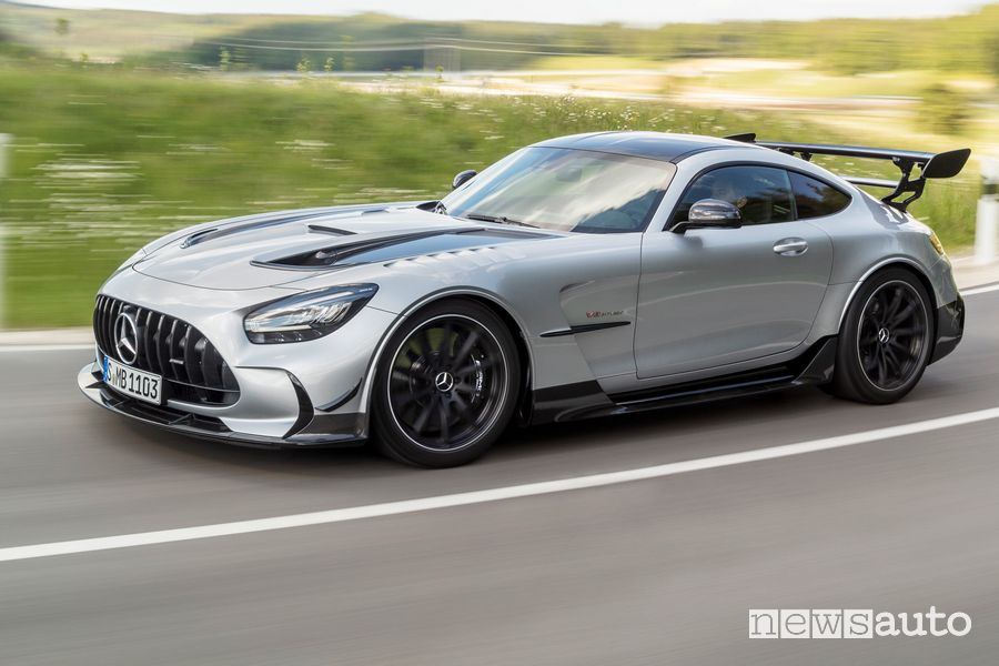 Vista laterale Mercedes-AMG GT Black Series