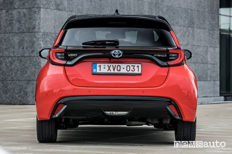 Paraurti posteriore nuova Toyota Yaris