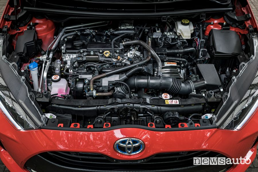 Vano motore full hybrid nuova Toyota Yaris