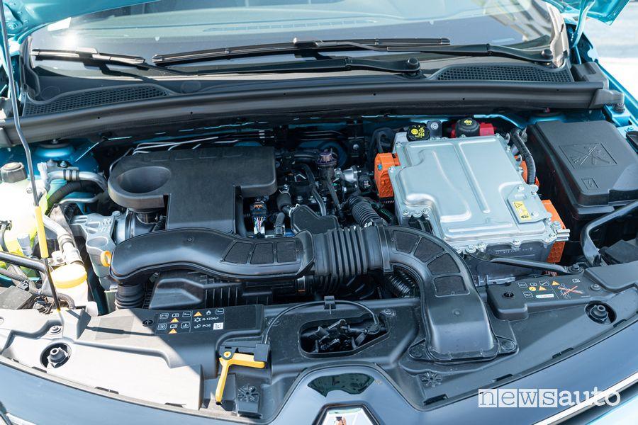 Vano motore Renault Clio E-Tech ibrida