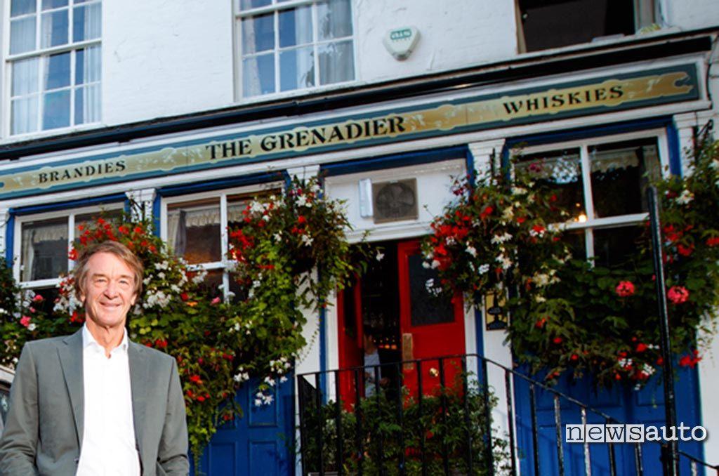 The Grenadier pub a Londra con Sir Jim Ratcliffe presidente della Ineos