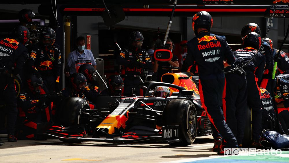 70° Anniversario f1 2020 pit stop red Bull