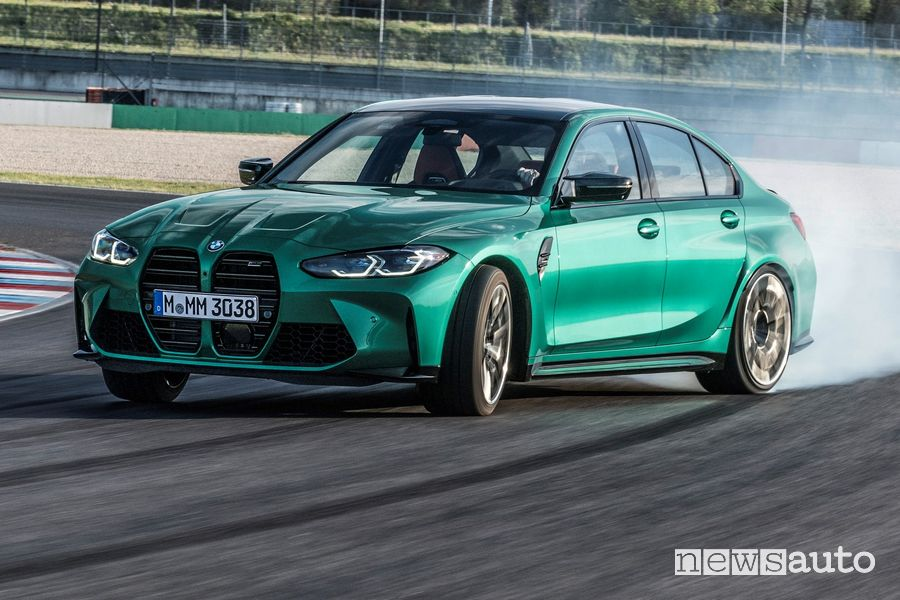 BMW M3 Competition in drifting