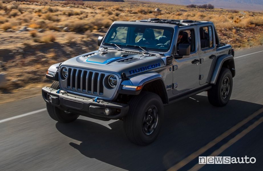 Vista di profilo Jeep Wrangler Rubicon 4xe