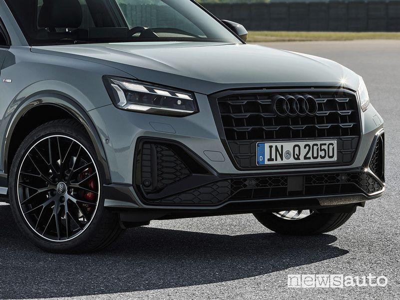 Fari Matrix LED, griglia anteriore nuova Audi Q2