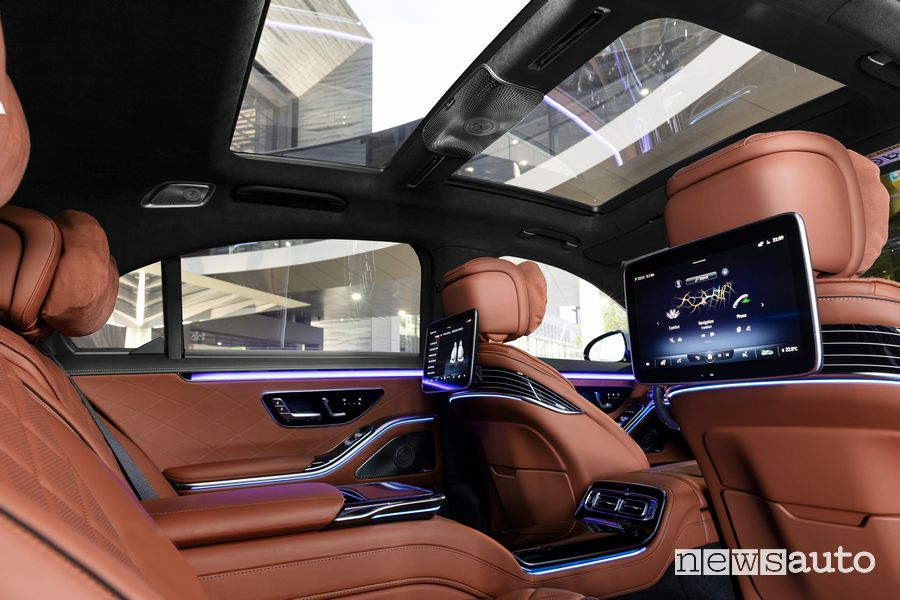 Display sedili posteriori abitacolo pelle marrone Mercedes-Benz Classe S
