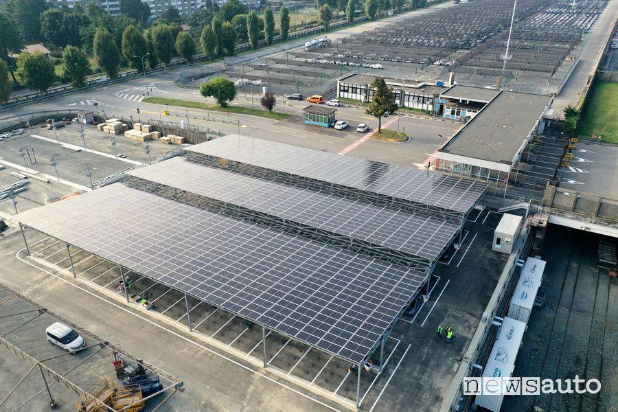 Vista dall'alto dell'impianto Vehicle-to-Grid di Torino Mirafiori