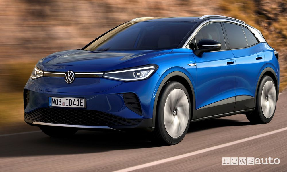 Volkswagen ID.4, display auto, caratteristiche, autonomia, tempi di ricarica e prezzi