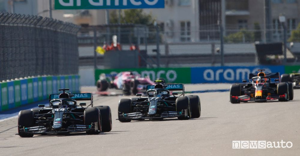 F1 Gp Russia partenza Mercedes Hamilton