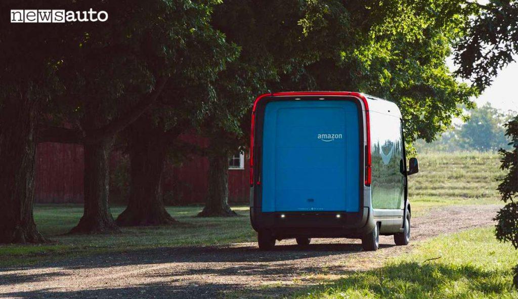 Il furgone elettrico di Amazon che si chiama Amazon Delivery Van by Rivian