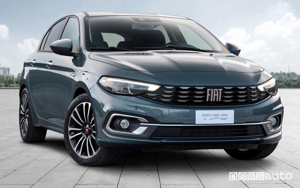 Vista di profilo nuova Fiat Tipo Life