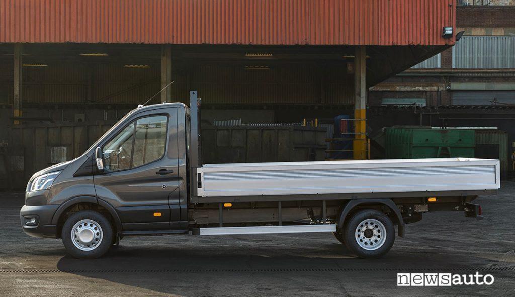 Transit camioncino con meccanica potenziata adeguata per i 50 quintali a pieno carico
