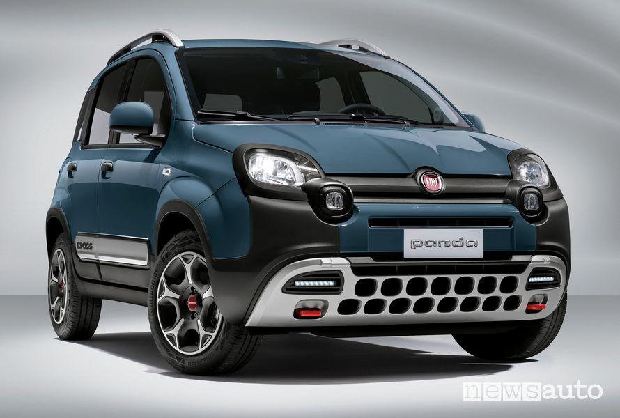 Vista anteriore nuova Fiat Panda Cross