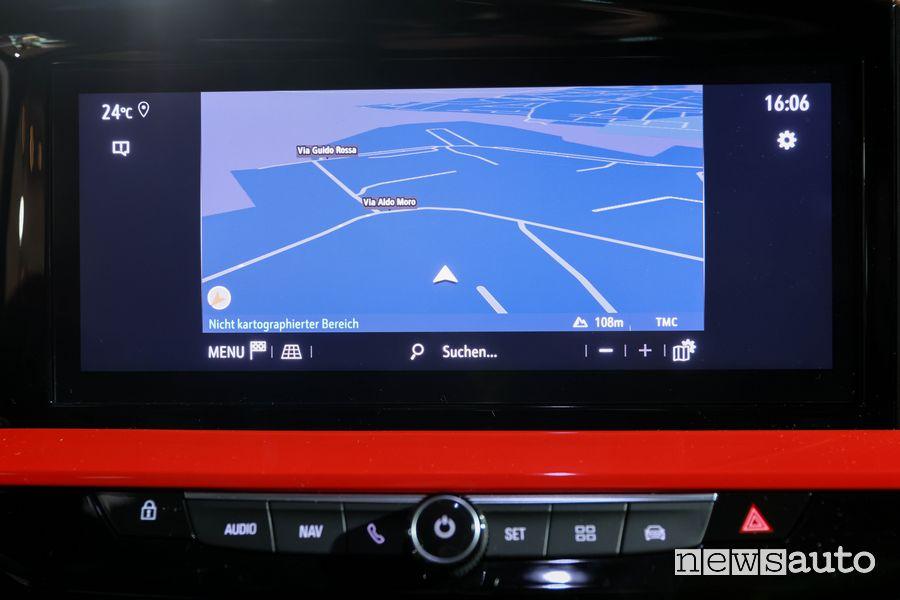 Navigatore touch screen abitacolo nuova Opel Mokka