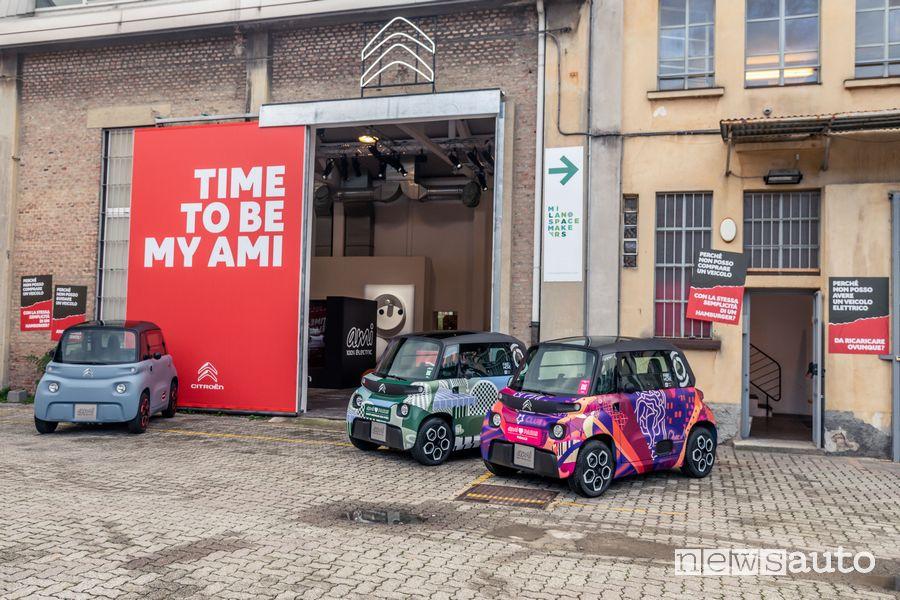 Prova in anteprima della Citroën Ami che debutta alla Milano Design City 2020 presso lo spazio espositivo di Via Tortona