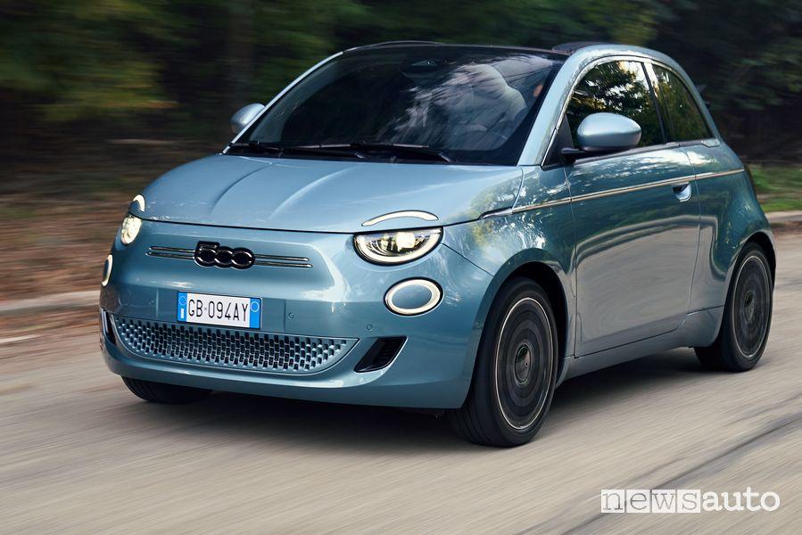 Abbonamento mensile Fiat 500 elettrica, come funziona, costi