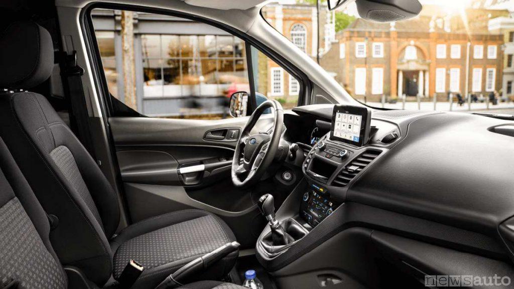 Abitacolo ed interni del Ford Transit Connect 2020