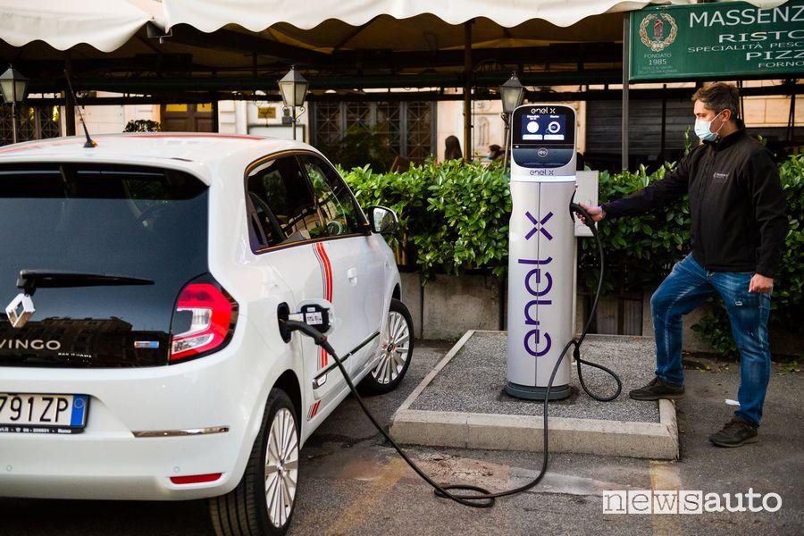 Ricarica da colonnina Enel X Renault Twingo Electric