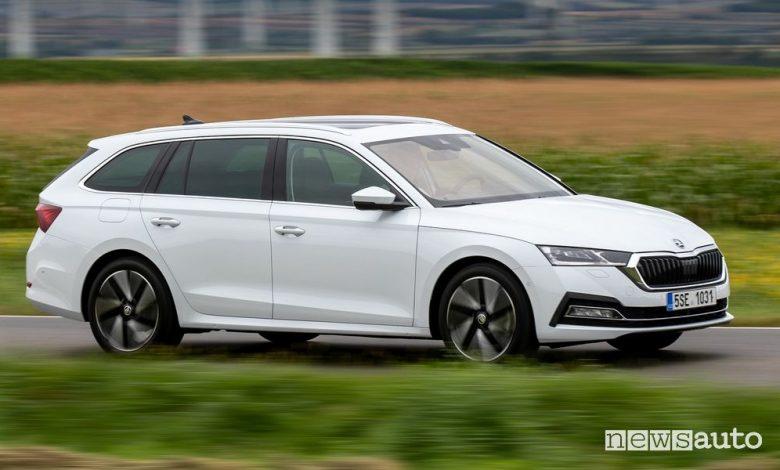 Škoda Octavia mild-hybrid, caratteristiche e prezzi