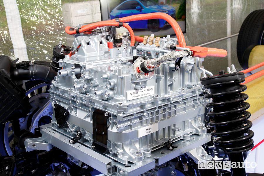 Motore a celle combustibile nuova Toyota Mirai