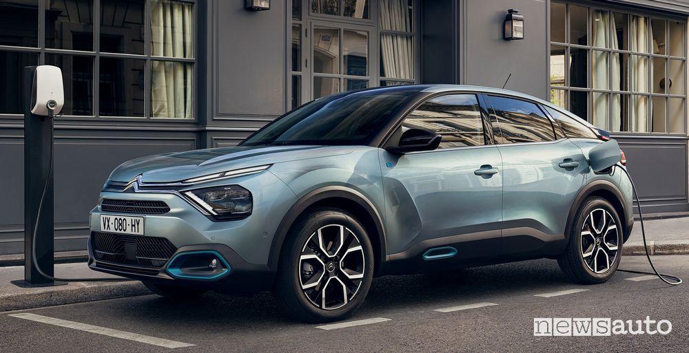 Citroën ë-C4 elettrica supporta la ricarica rapida fino a 100 kW